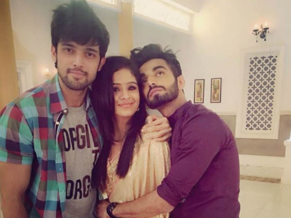 Kaisi Yeh Yaariyan's Parth Samthaan Meets His Buddy Karan Jotwani On Suhani Si Ek Ladki Sets (PIC)