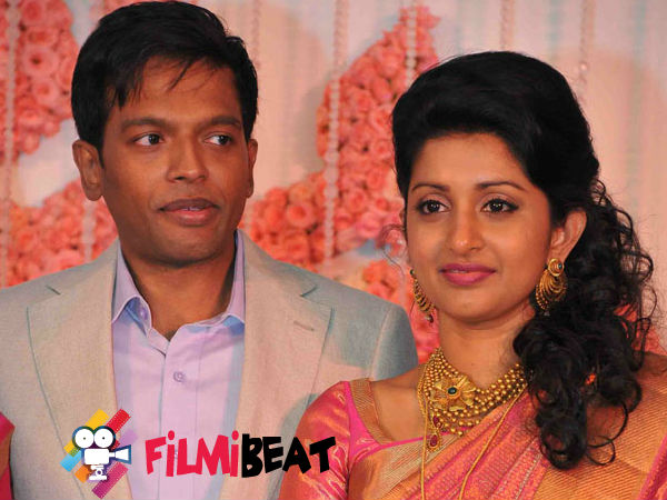 RUMOUR: Meera Jasmine Separates From Husband Anil John Titus?