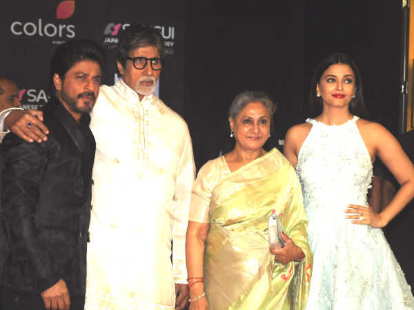 Aishwarya With Her In-laws & SRK