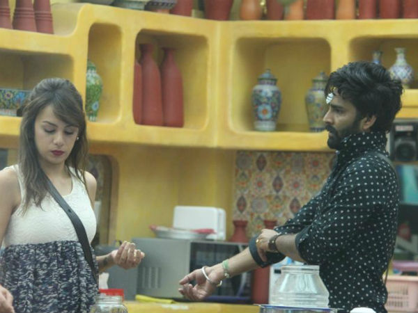Manveer's Bhabhi Wants A Girl For Him Who Is Not Like Nitibha!