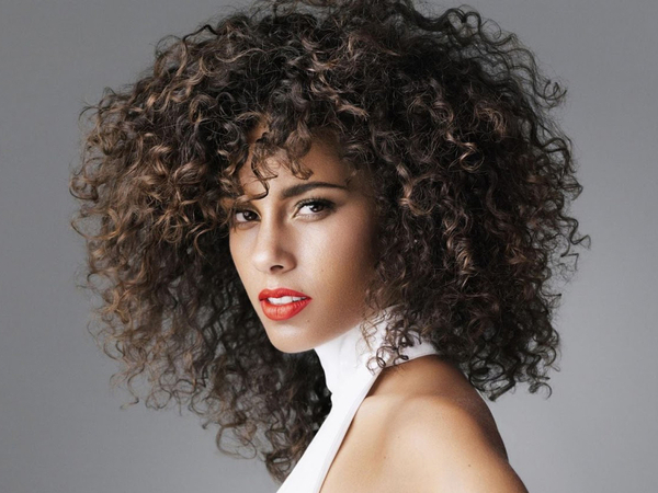 Alicia Keys Says She Is Not A Slave To Make-up
