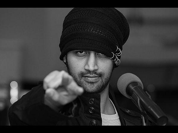 #Trending: Atif Aslam Stops Concert, Rescues Girl