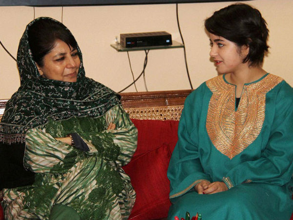 SHOCKER: Dangal Girl Zaira Wasim Gets Trolled On Social Media; Says Sorry For Meeting Mehbooba Mufti
