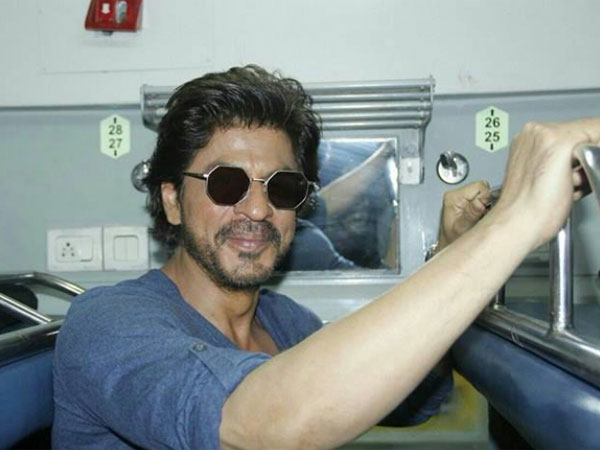SHOCKING! Shahrukh Khan Reveals Many People Fell From The Train While Shooting For Chhaiya Chhaiya
