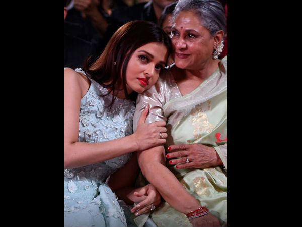 WHAT A PICTURE: Aishwarya Rai Bachchan Rests Her Head On Jaya Bachchan's Shoulder At Stardust Awards