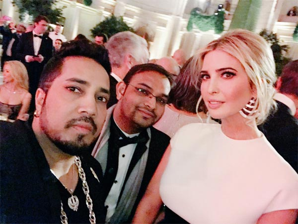 Pictures! Mika Singh Attends Donald Trump's Pre-inaugural Dinner, Takes A Selfie With Ivanka Trump