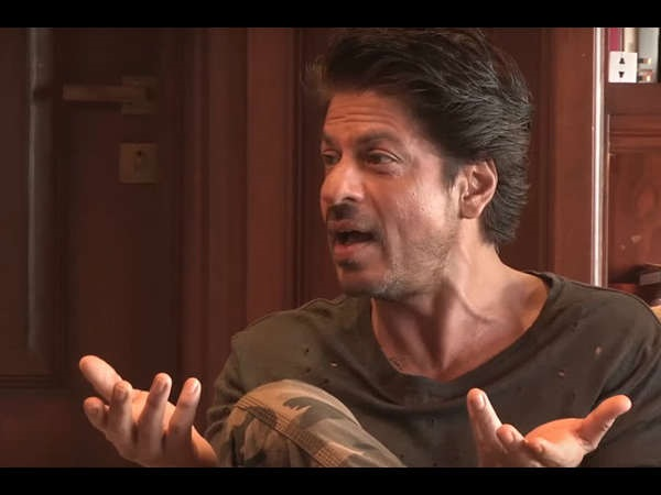 When SRK Tried To Be Politically Correct About The Attack On Sanjay Leela Bhansali On The Sets Of Padmavati & Explained The Importance Of Selfie
