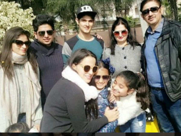 Rohan Mehra With Family