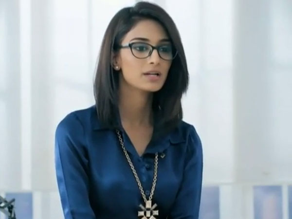 Will Sona Introduce Soha To Dev?