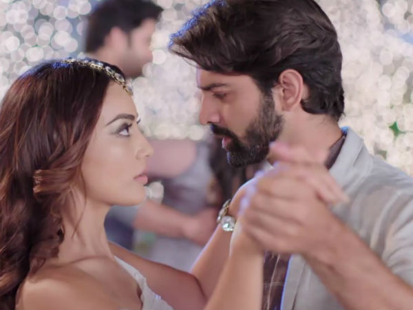 Meera & Haider Get Attracted Towards Each Other