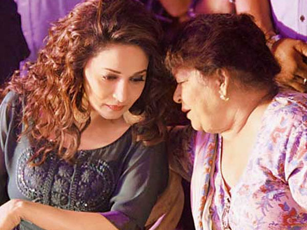 Saroj Refers Madhuri As Her Assistant