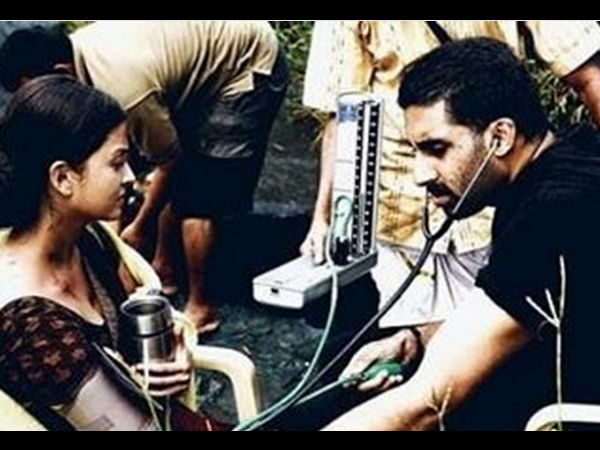 AWW! Abhishek Bachchan Shares A Hearttouching Picture With Aishwarya Rai Bachchan From Raavan Sets!