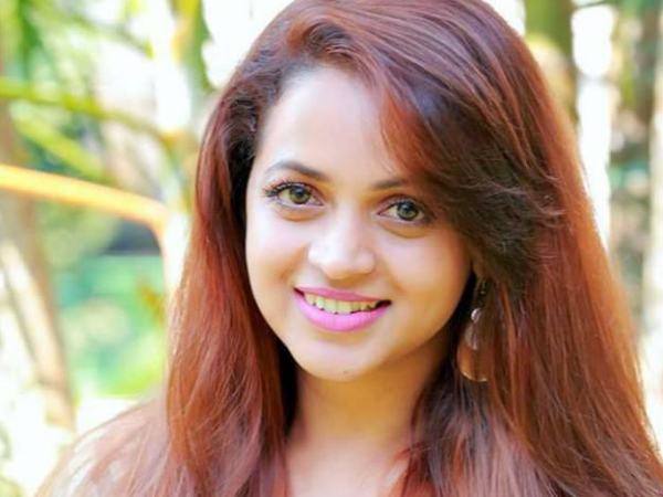 INSPIRING: Bhavana Starts Shooting For Prithviraj's Adam!