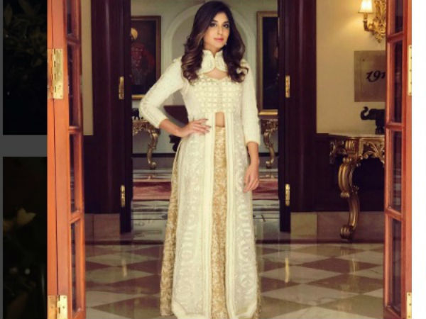 Kritika Kamra Looks Stunning As Princess Chandrakanta! (PICS)