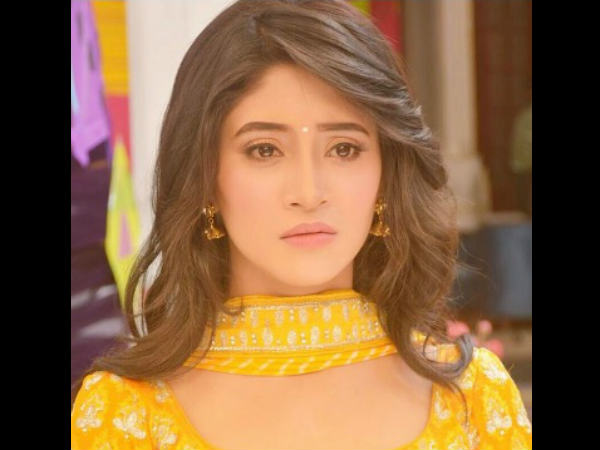 When Yeh Rishta Kya Kehlata Hai Actress Shivangi Joshi Got Emotional…