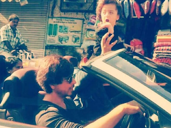 CRAZY! This Is What Happens When Shahrukh Khan Takes AbRam Khan For A Car Ride In Mumbai (PICTURES)