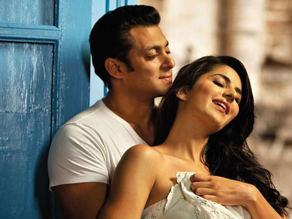 LOVE IS IN THE AIR! Salman Khan Taking Special Care Of Ex Katrina Kaif On Tiger Zinda Hai Sets