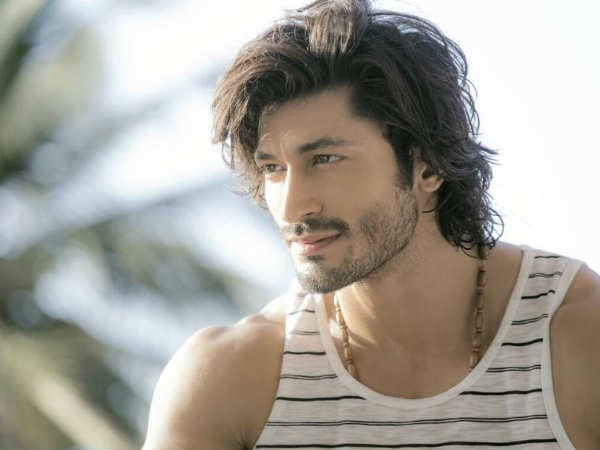 Commando 2 Movie First Day Collections-Vidyut Jammwal's Film Gets Average Opening