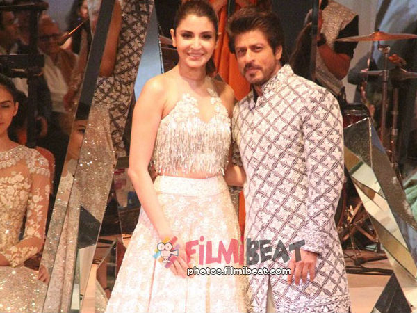 SRK Walked The Ramp With Anushka