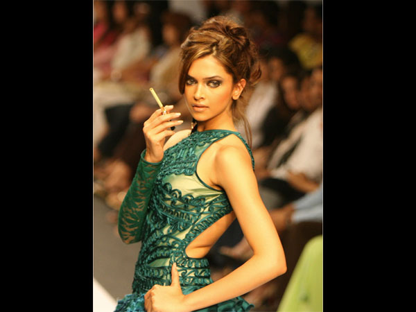 SECRET OUT! Look Who Revealed That Deepika Padukone Used To Bunk College & Was A Backbencher!