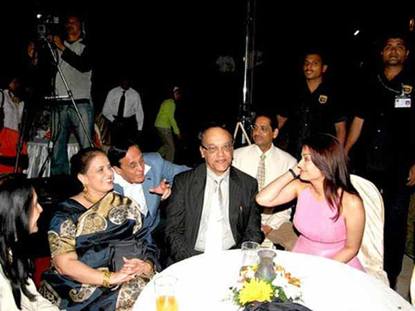 Aishwarya Loves Her Parents The Most