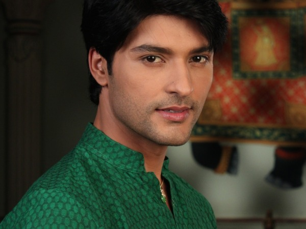 WEDDING BELLS! Anas Rashid To Tie The Knot By The End Of The Year!