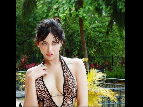 Model Cum Actress