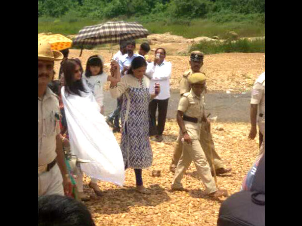 In Pic: Aish & Aaradhya During Their Visit To Mangalore