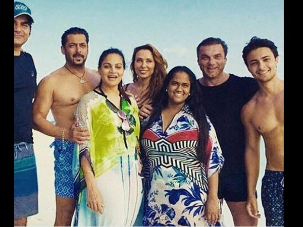 Iulia Also Accompanied Salman To Maldives