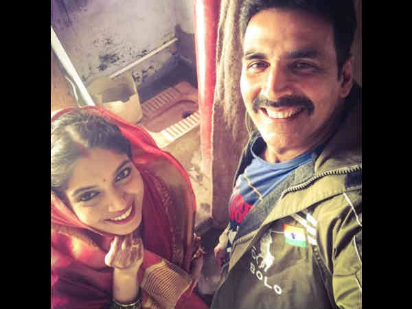 Akshay On Toilet – Ek Prem Katha