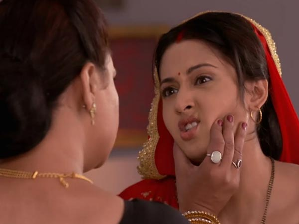 Romi Update: Yeh Hai Mohabbatein: Ishita To Get Roshni To The Bhalla
