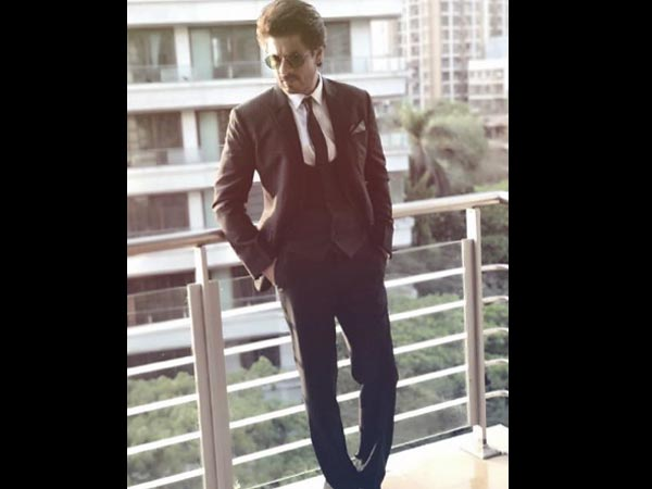 BEWARE! Shahrukh Khan Gets Annoyed By These Two Questions From The Journalists