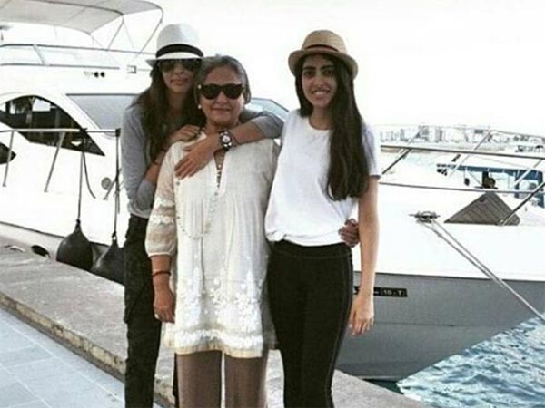 Move Over Aaradhya! Jaya Bachchan's Uber Cool Picture With Navya Naveli Nanda Is All You Need To See