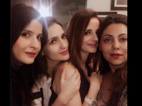 Girls Night Out! Gauri Khan & Sussanne Khan Catch Up With Their BFFs