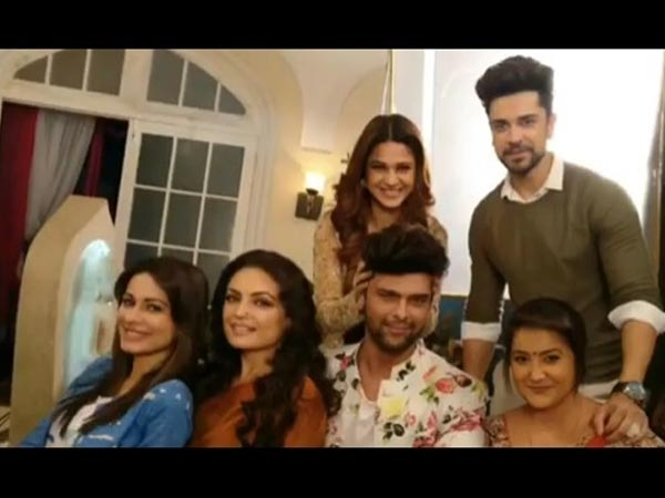 Jennifer & Kushal With Beyhadh Team
