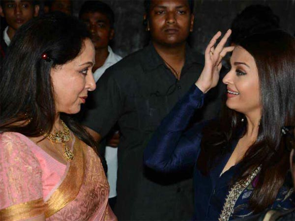 Hema Malini Was Touched By Aishwarya Rai