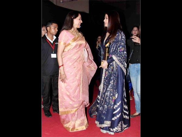 Aishwarya Gives Respect To Her Seniors: Hema Malini