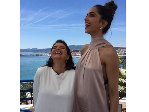Deepika Can't Stop Smiling