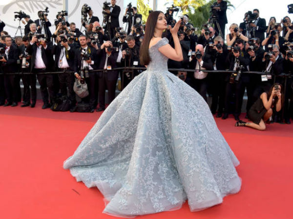 Aishwarya Walks The Red Carpet For Cannes 2017
