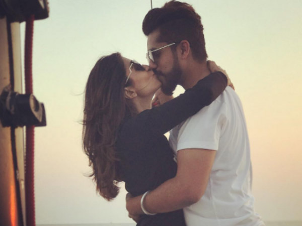 Kishwer Merchant & Suyyash Rai Kissing Picture Goes Viral; Here's What Kishwer Has To Say…