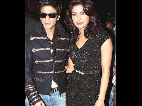 TAKING REVENGE? Priyanka Chopra Tried To EXPOSE Her Affair With Shahrukh Khan By Liking This Tweet!