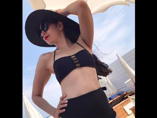 Karishma Kapoor Hot In Bikini