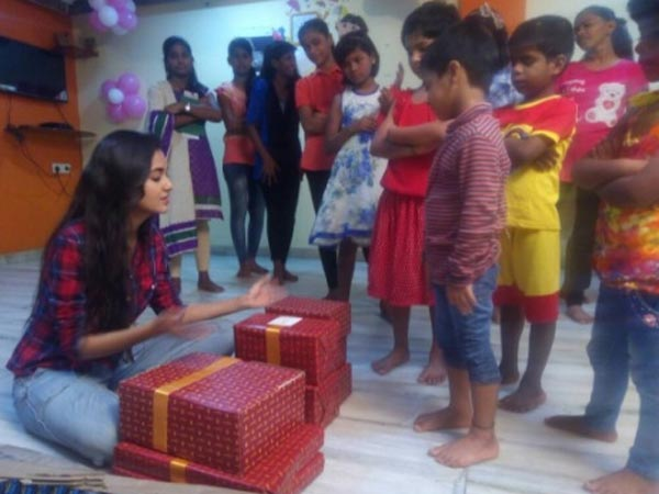 Tejaswi With Kids