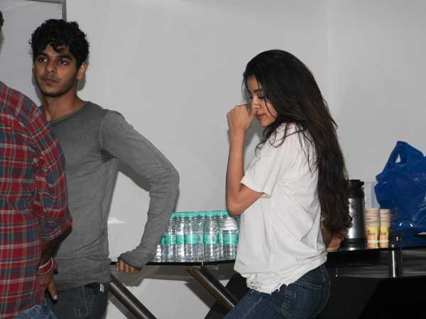 Jhanvi Clicked With Ishaan