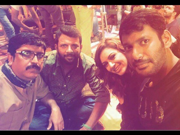 PIC TALK: Vishal & Hansika Motwani In 'Villain' Location