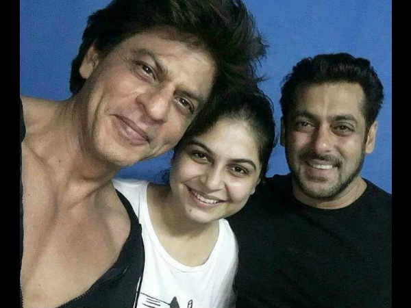 Shah Rukh Khan gifts Salman Khan a luxury auto