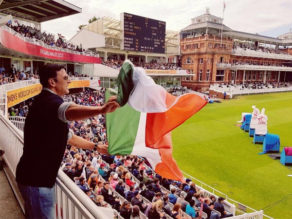 Akshay Kumar Holds The Indian Flag Upside Down At The Lords Stadium In England! Apologises