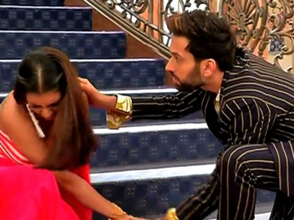 Shivaay Helps Ragini