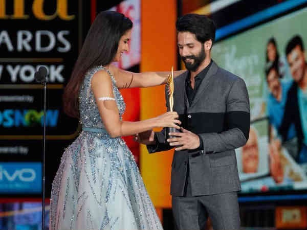 Katrina Kaif Was The Presenter For The Award