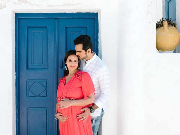 Why Esha Chose Greece For Her Babymoon